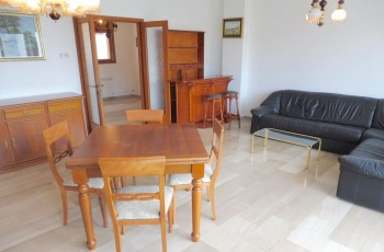 Grado,34073,3 Bedrooms Bedrooms,1 BathroomBathrooms,Byt,1230